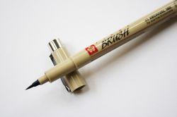 Caneta Brush pen Sakura Micron Preto